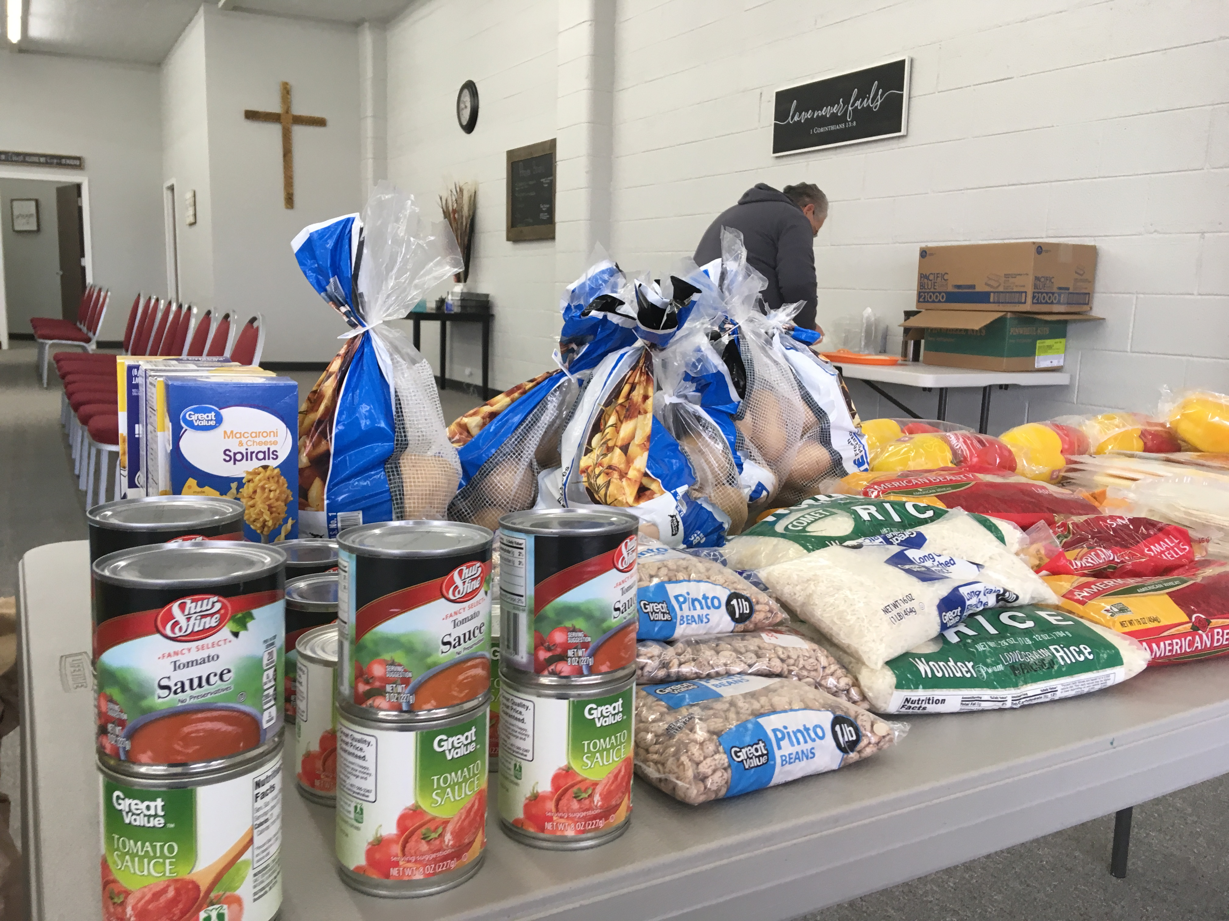 Sunshine Ministries Food Pantry